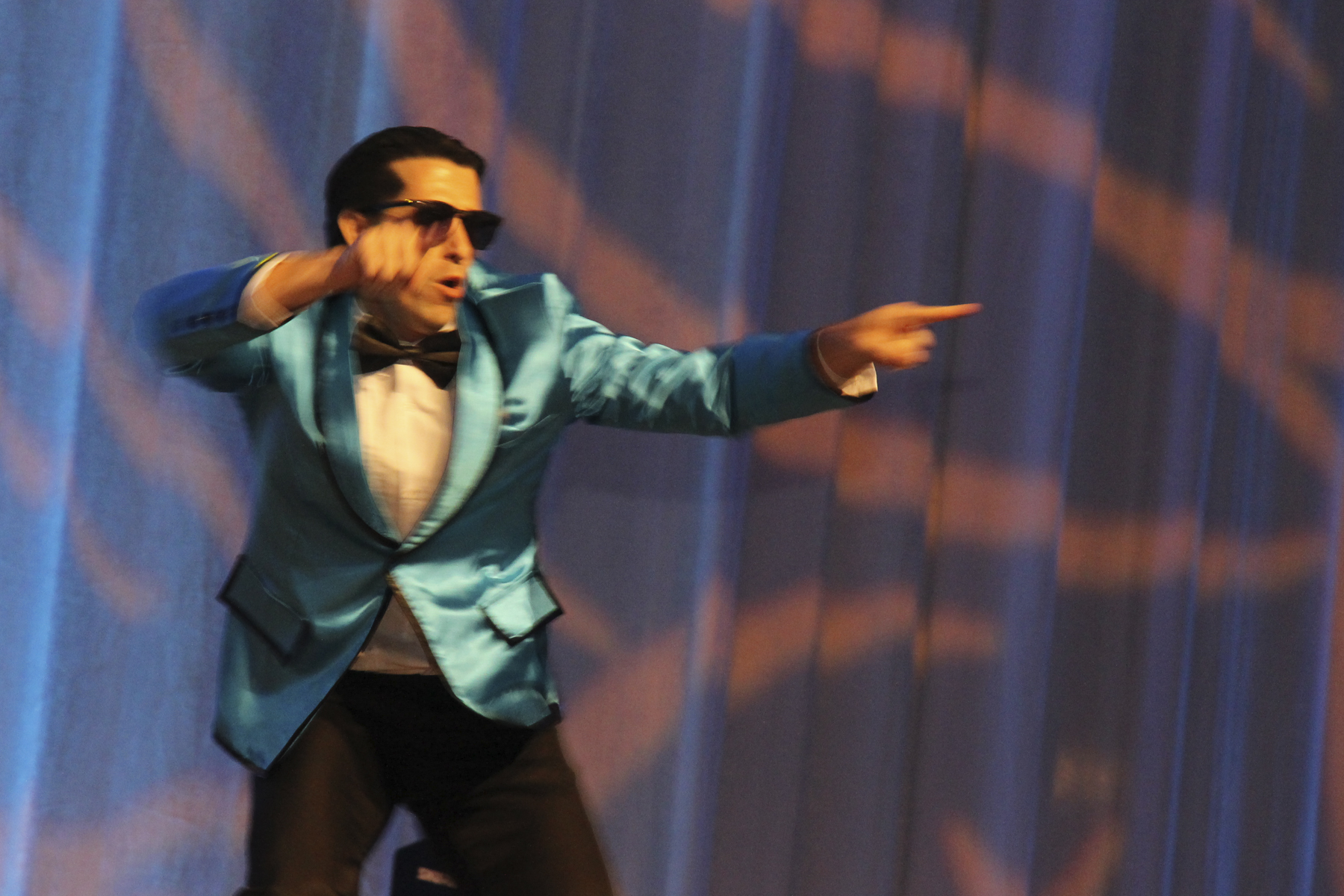"""2016 AN EVENING AROUND THE WORLD: CFS Gangnam Style Dancer Tony Mizuno (Bank of Hawaii) shows off his """"PSY"""" moves!"""