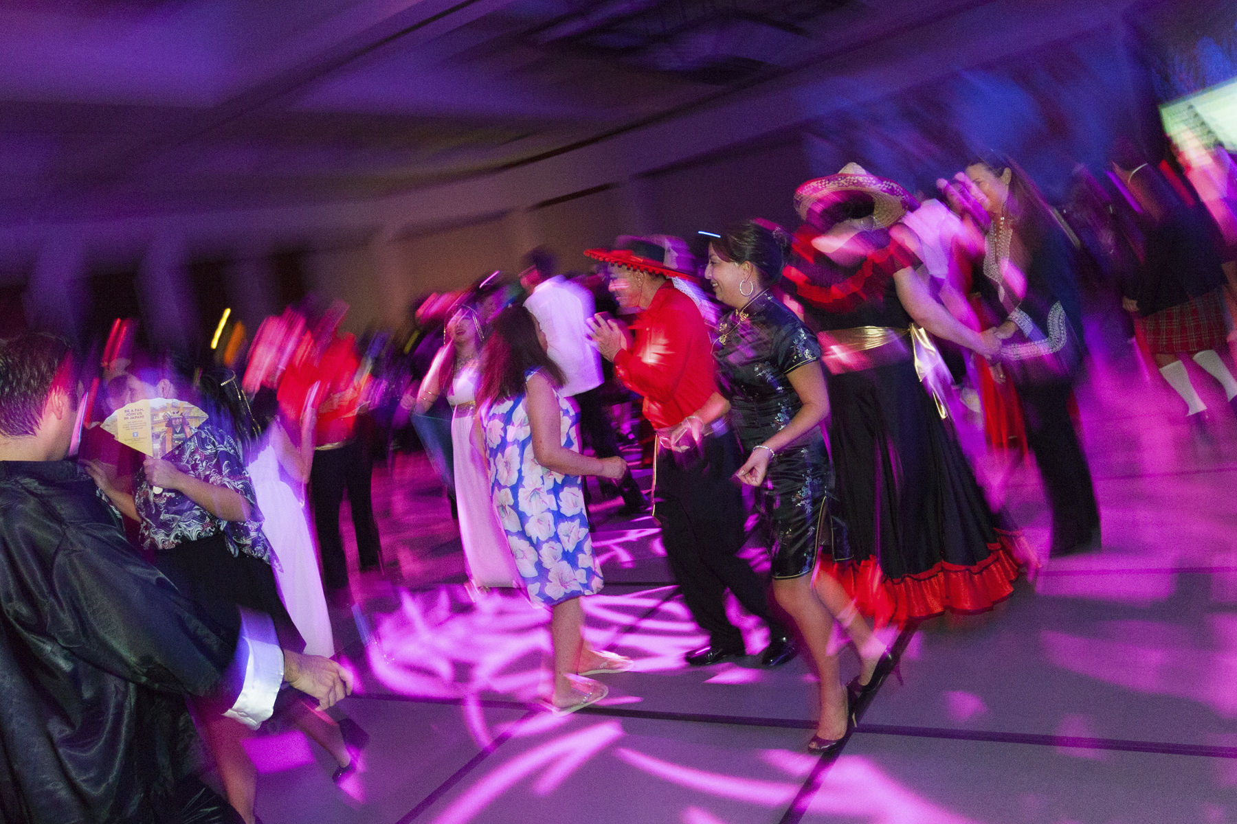 2016 AN EVENING AROUND THE WORLD: Guests dancing the night away!
